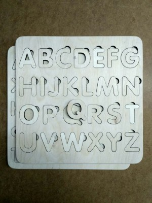 Английский алфавит из дерева